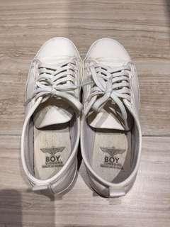 Korea white shoe