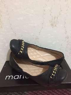 Flatshoes Hitam Marie Claire (size 39)