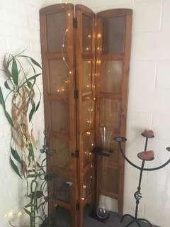 3 door wooden screen