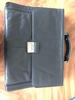 Kenneth Cole Briefcase (Original)