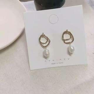 🚚 [BUY2GET1FREE] Minimalist Pearl Earrings