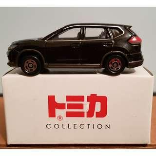 Tomica No. 21 Nissan X-trail 2014 black from Off-road Gift set
