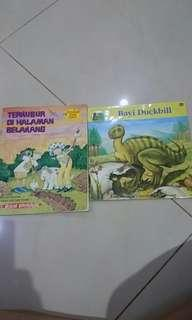 Book about Dino like new