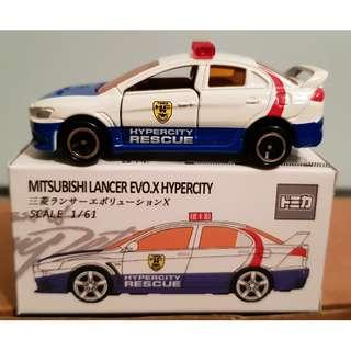 Tomica No. 67 Mitsubishi Lancer Evolution X Hypercity Rescue 2007 from Tomica USA Play set