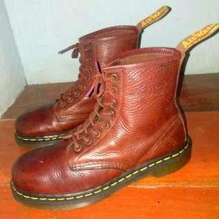 Dr. Martens Grizzly