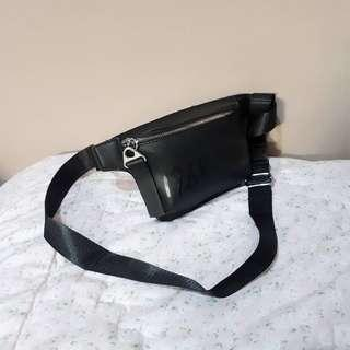 Charles n Keith Waistbag (NEW) Nett Price