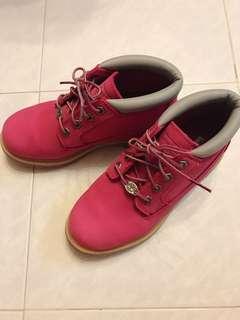 玫瑰紅Timberland boot 防水短靴