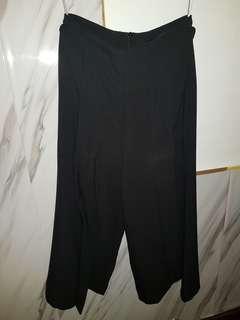 BNWOT MDS Flare Black Culottes