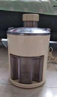 簡易操作榨汁機