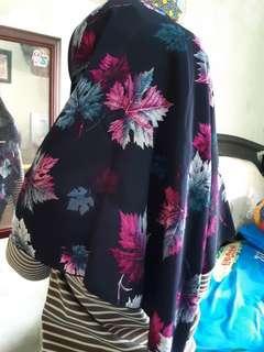 Hijab segiempat wolfis motif tebal