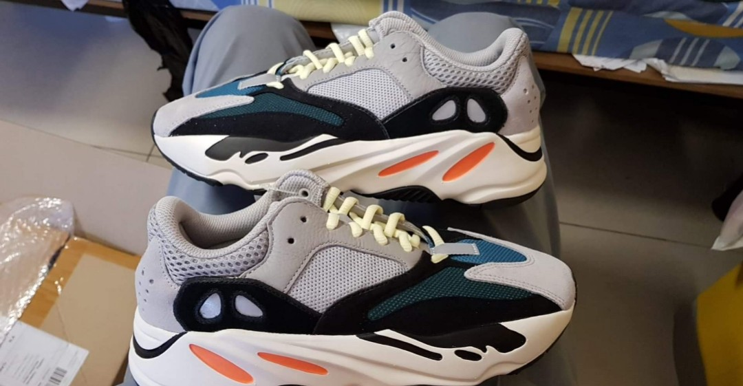 3aeecc78 ADIDAS YEEZY BOOST 700 OG WAVERUNNER, Men's Fashion, Footwear, Sneakers on  Carousell