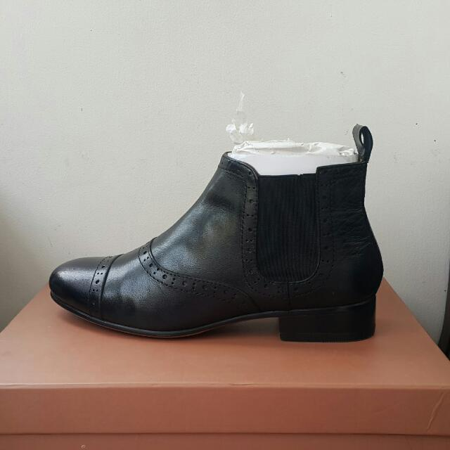 Andre Valentino ankle boots hitam kulit