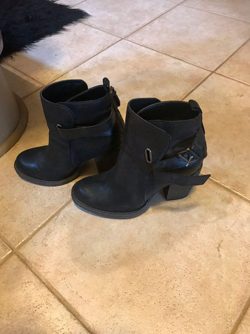 Brand new never worn black ankle boots size 8 but fits like a 7 free to who comes first