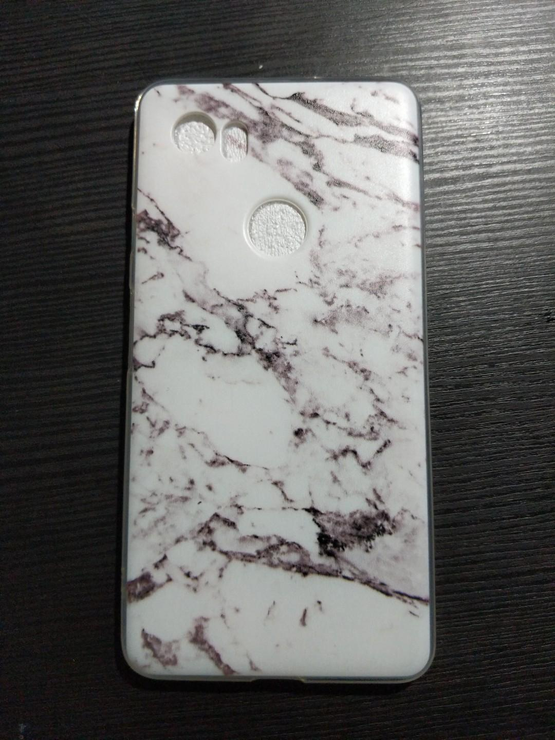 Google pixel 2XL marble cover