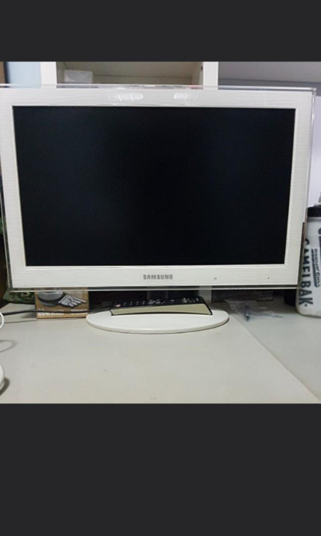 Free Samsung TV 23 inch  Audio faulty, Electronics, Others