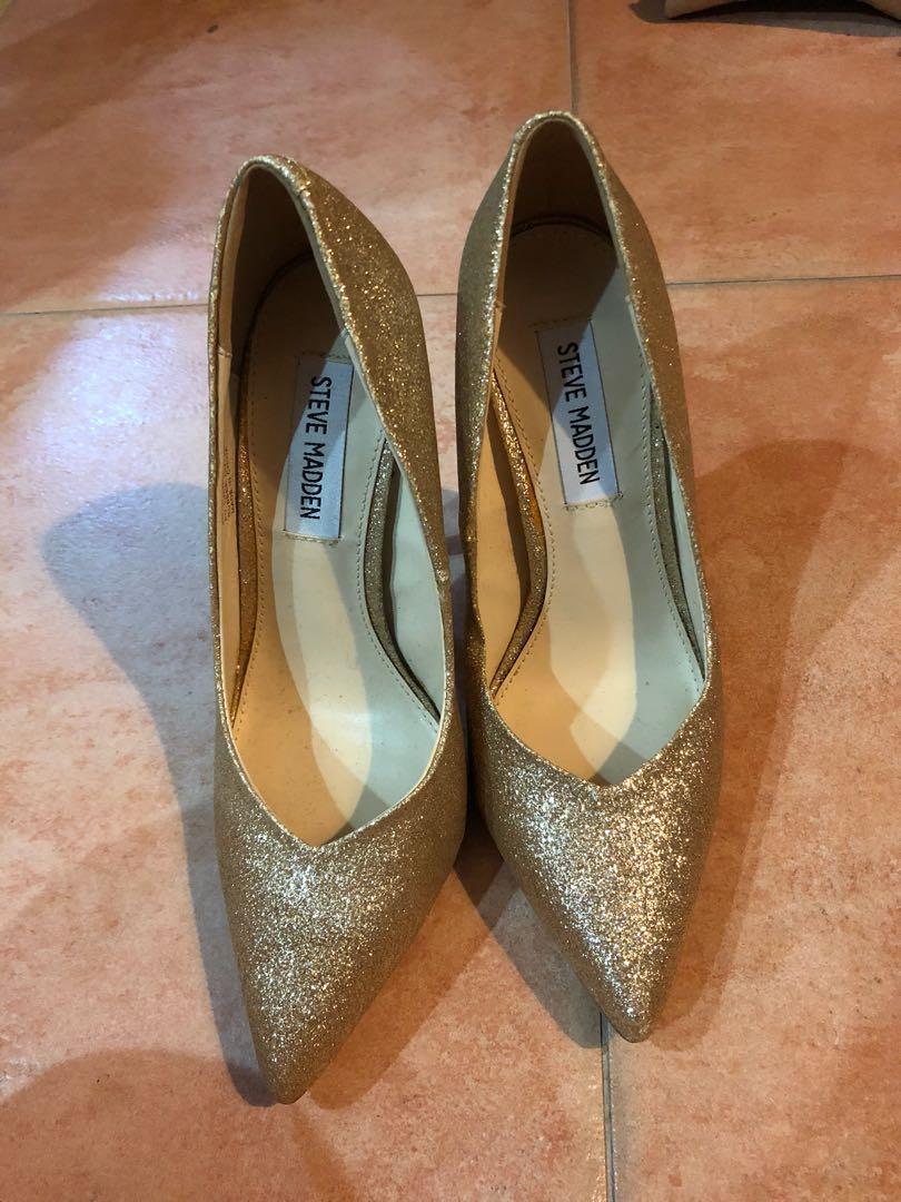 cd17ac8e5c23 Steve Madden golden sparkle heels