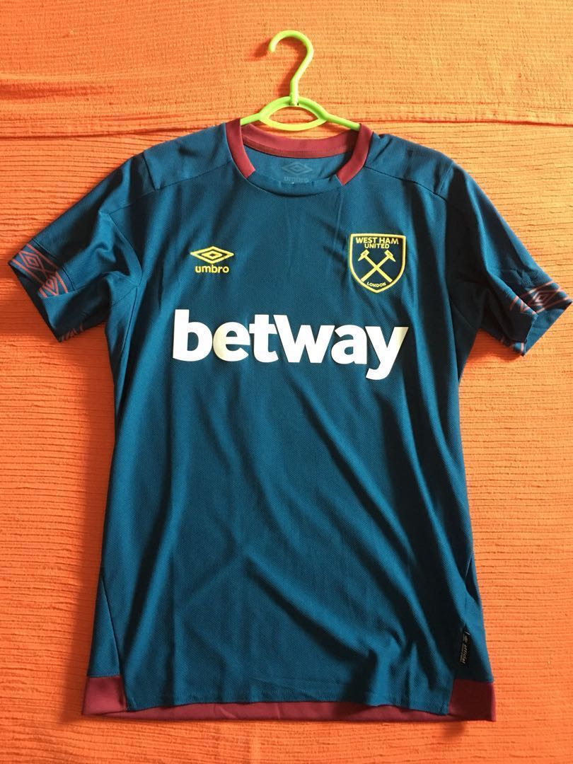 8182a0e5 UMBRO West Ham United Away SS Shirt, Men's Fashion, Clothes, Tops on ...