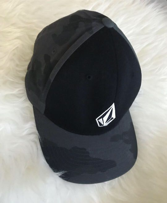 reputable site 89e04 e681e ... new style volcom cap sports athletic sports clothing on carousell ddd1b  535c3