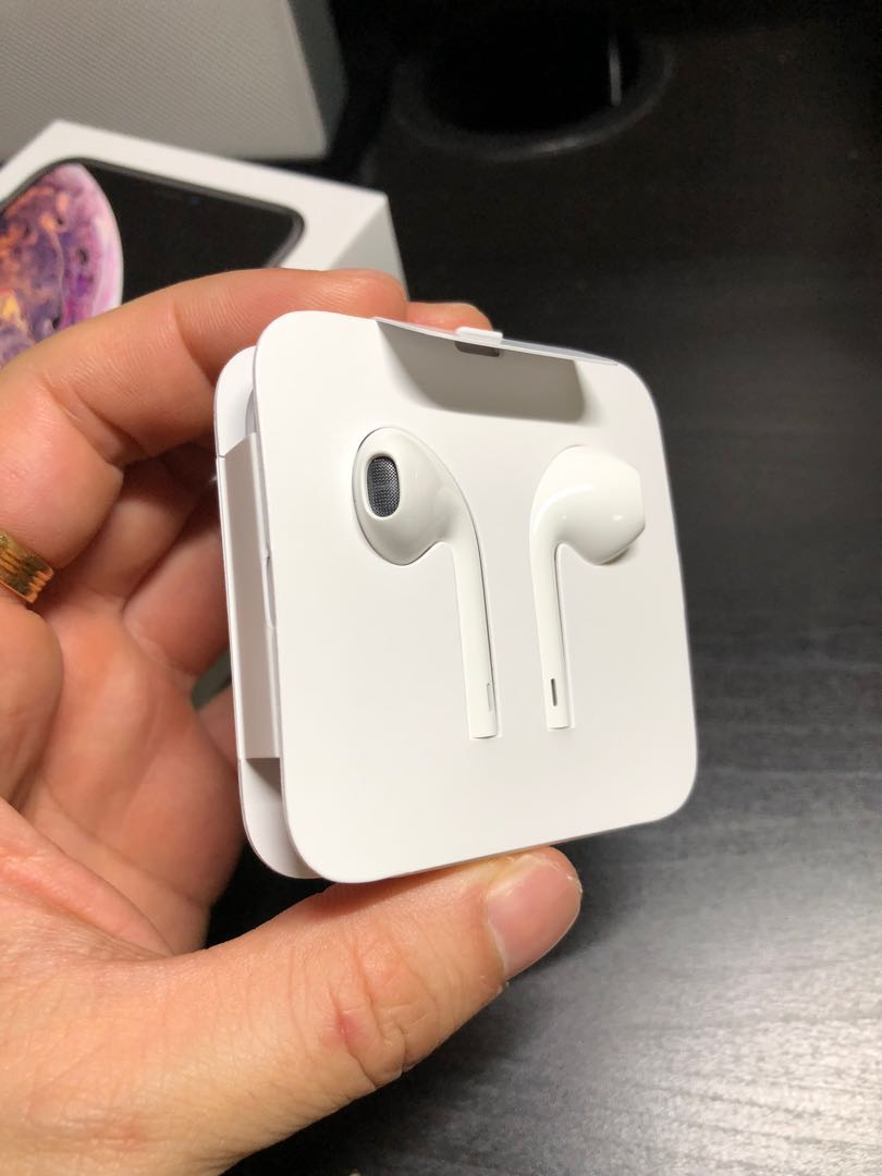 low priced 7111e 37a03 (Wired) Brand new Apple earpods from iPhone Xs Max