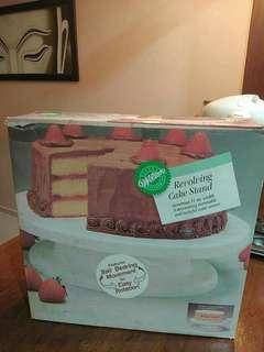 Cake icing stand