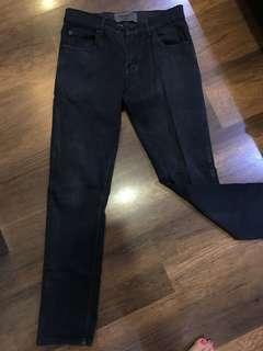 Jeans hitam