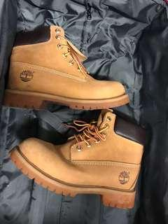 TIMBERLAND Classic Short Boots