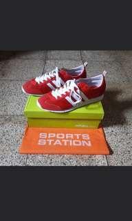 Adidas Neo vs Jogg