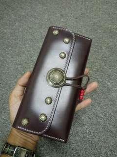 IHC abrasivato leather long wallet