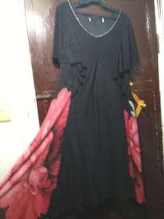 Elegant Black Dress (Red/White floral sidings)