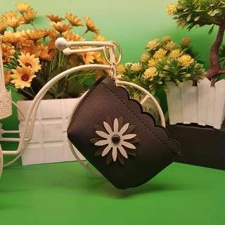 BLACK WITH FLOWER COIN PURSE