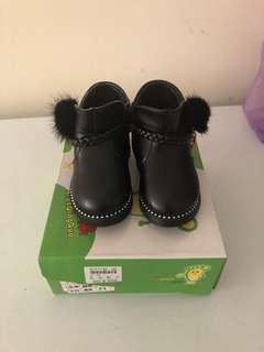 🚚 黑色皮鞋(21號)男女都可以穿