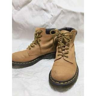 👢 Dr. Martens 939 6eye Hiker boot 泥黃色