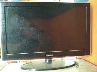 TV SAMSUNG LCD 32 INCH