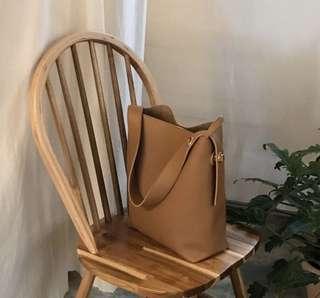 🚚 Brown Shoulder Bag