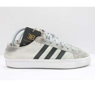 ADIDAS Shoes size 6.5uk.
