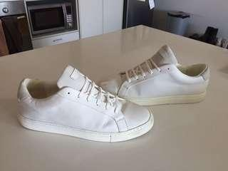 Men's Kurt Geiger white sneakers