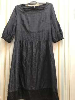 黑色色丁料連身裙