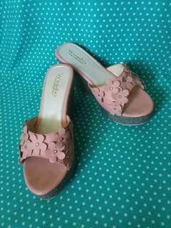 Wedges Dusty Pink Bunga