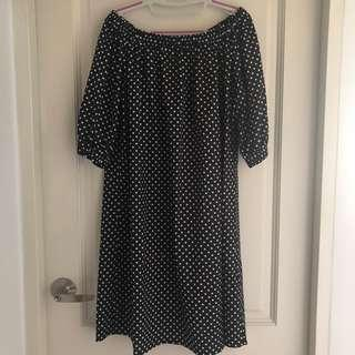 XXL off-shoulder dress (fits UK16-20)