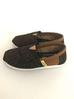 Flits Adorable Wakai Inspired Casual Shoes