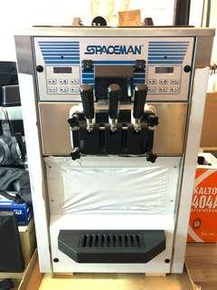 Spaceman Soft Serve/Yogurt Machine