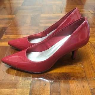 Comfort Plus - Red Heels