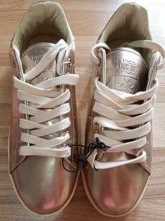 BNWT ZARA KIDS GOLD SNEAKERS SIZE 38 (FITS LADIES SIZE 37)