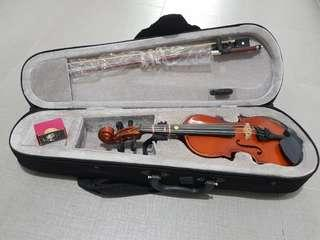 Violin size 1/16 - Strings have also been changed to Synwin Piranito Violin Strings Set