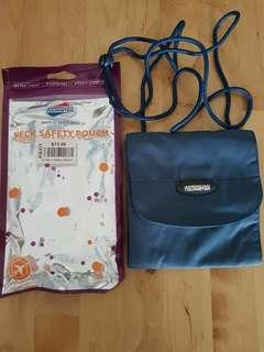 American Tourister Neck Safety Pouch