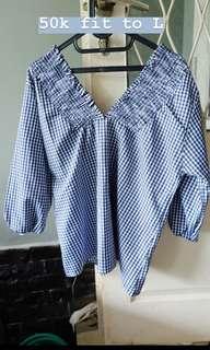 Semi sabrina blouse