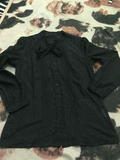 Black sweet shirt