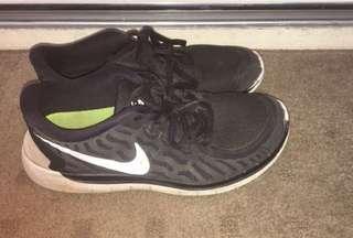 Nike Runners Sz 38.5/ 5.5/7.5