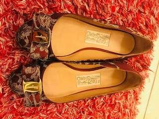 Flat feragamo shoes size 5.5