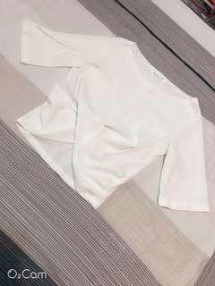 🚚 褶皺白色百搭上衣